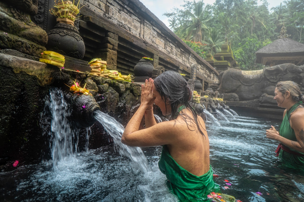 Bathing in bali